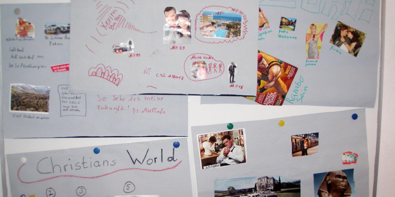 Mehrere angehängte Zettel über Wünsche und Träume der eigenen Zukunft