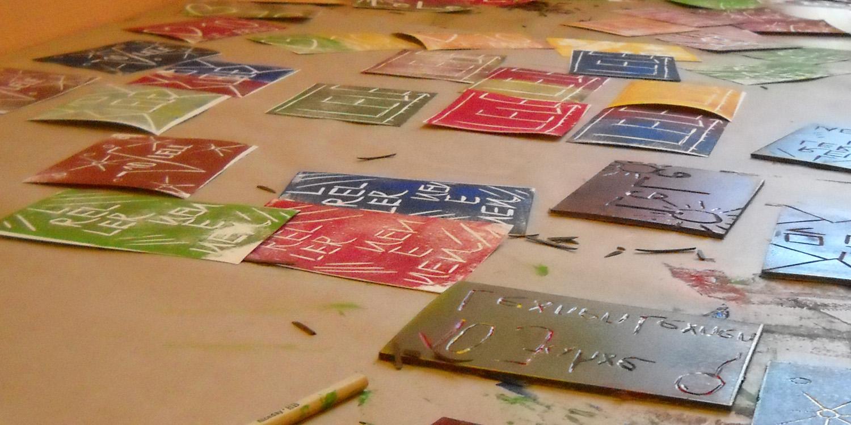 Viele Karten mit mehreren Buchstaben drauf