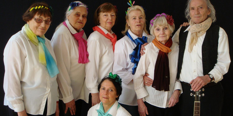 Sechs Damen und ein Herr