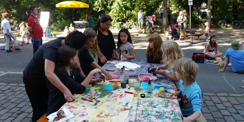 Kinder, die malen